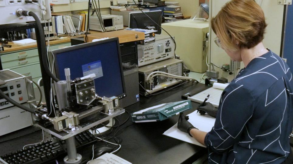 Radio karbon dating for å bestemme alder av planter og dyr